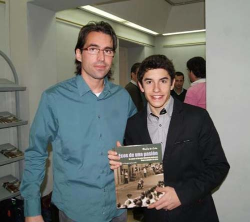"Marc Marquez, MOTOGP Champion of the world with Oscar Falagán and his book ""Ecos de una pasión""."